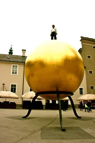 Kapitelplatz, Salzburg, Austria, Art